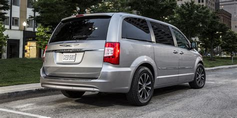 Chrysler Town And Country Rebates by 2015 Chrysler Town Country Consumer Guide Auto