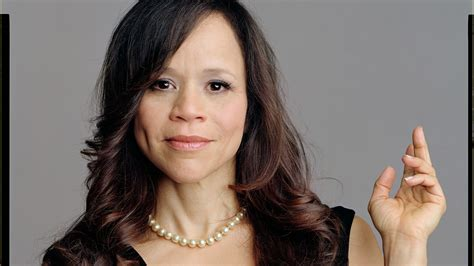 rosie perez and her wigs for women rosie perez roles for women of color over 40 american