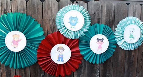 How To Make Paper Pinwheel Decorations - pinwheel decorations diy daniel tiger birthday