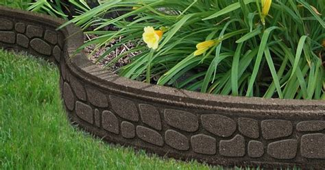 recycled rubber garden borders   perfect solution