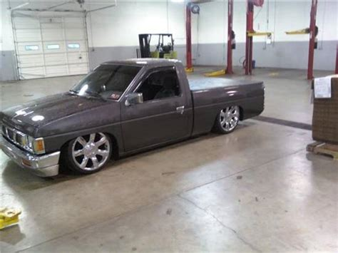 nissan hardbody bagged on 22s 1991 nissan hardbody 5 000 possible trade 100129511