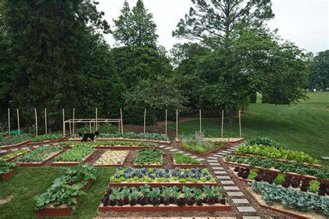 10 Garden Ideas To Steal From Michelle Obama By Michelle Obama Vegetable Garden
