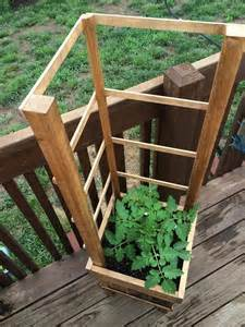 diy pallet raised planter with trellis 101 pallets