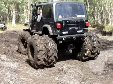 mud tires for jeep jeep wrangler 4x4 mudding with special tires