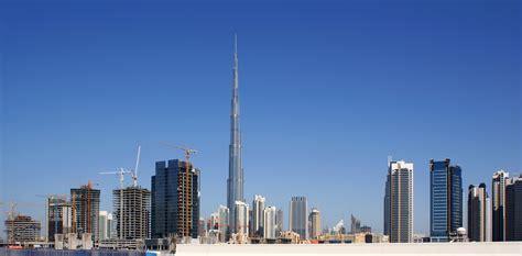 burj khalifa interni file skyline dubai 2010 jpg wikimedia commons
