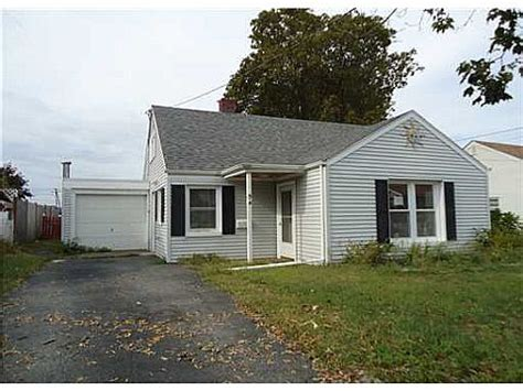 houses for sale in rumford ri 54 nimitz road rumford ri 02916 detailed property info reo properties and bank owned