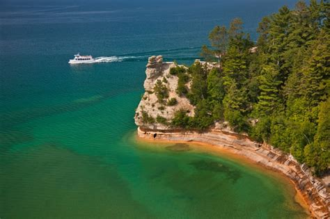 pictured rocks lakeshore boat tours pictured rocks boat cruises inc mackinawinfo