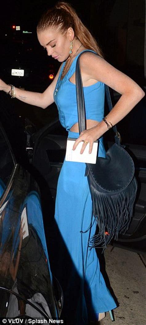 Style Stealer Lindsay Lohans Blue Dress 2 by Lindsay Lohan Tones Make Up For More Look