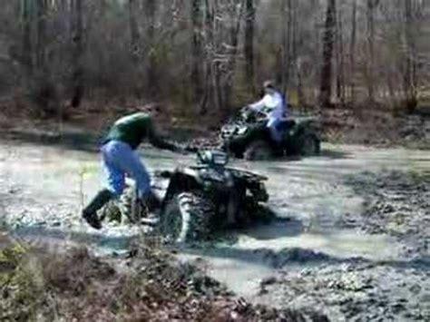 mudding four wheelers vinson 500 suzuki four wheeler mudding youtube