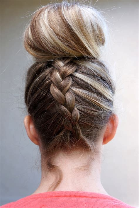 Knot Hairstyle by Top Knot Hairstyle Harvardsol