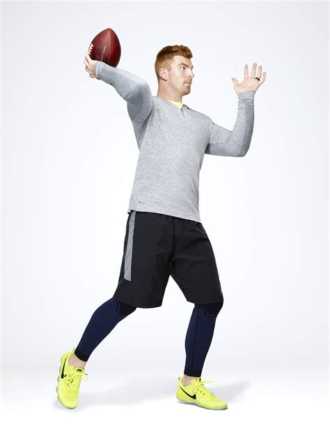 Nike Pro Combat Original nike pro combat baselayer locks out the elements to lock in performance nike news