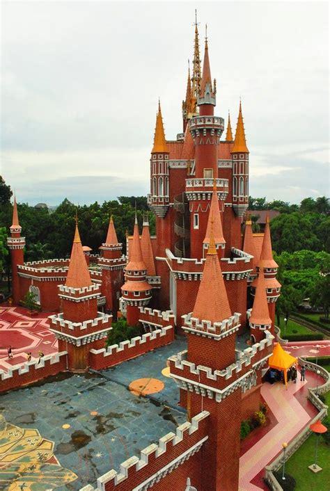 Blus Taman Sari tmii castle check out tmii castle cntravel