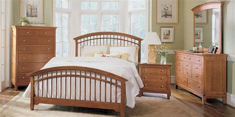 thomasville king or queen bedroom set solid oak dresser thomasville beds amazing thomasville bedroom furniture