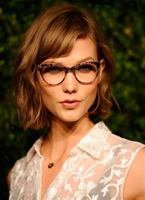 karlie kloss haircut karlie kloss short cut with bangs karlie kloss looks