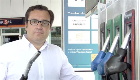 Gas Station Manager by Antonio Rold 225 N International Management Of Gas Stations