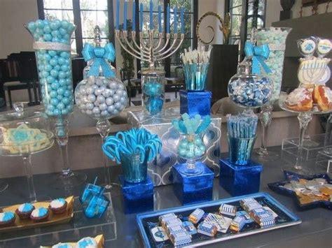 7 Pretty Hanukkah Decorations by Station Station Ideas