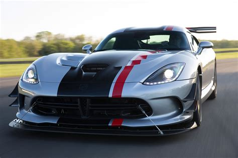 2016 dodge viper reviews and rating motor trend