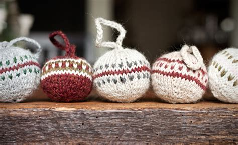 knitted christmas bobbles gift favor ideas from evermine