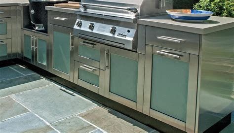 Outdoor Kitchen Stainless Steel Cabinets Bringing The Inside Out Outdoor Kitchen Cabinetry 6 Week Summer Series Redinterior