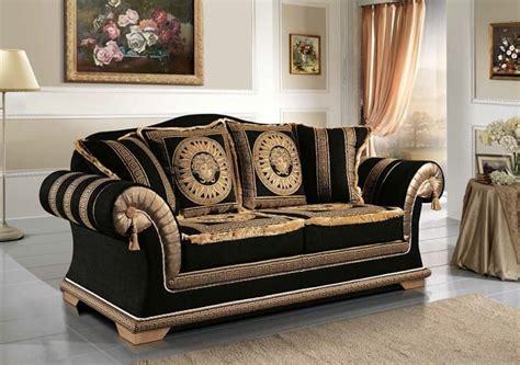 divani eleganti divano classico rivestito in elegante tessuto idfdesign