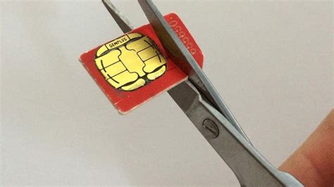 Cutting A Sim Card To Fit Iphone 5 Template by How To Cut A Sim Card To Fit Into An Iphone How To