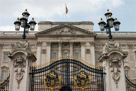 Buckingham Palace Facts | buckingham palace tourist information facts history