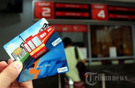 Promo Kartu Prabayar Bank Flazz Bca bayar krl dengan kartu flazz bca foto 3 919762 tribunnews