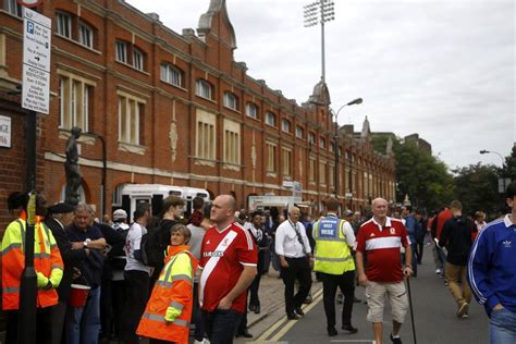 Fulham Cottage Corner by Gallery Boro Fans At Craven Cottage Middlesbrough Fc