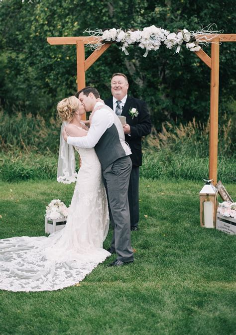 Simple Wedding Dress For Small Wedding
