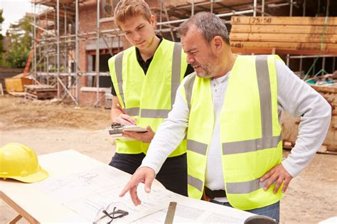 3 effective worksite communication tips for construction students construction