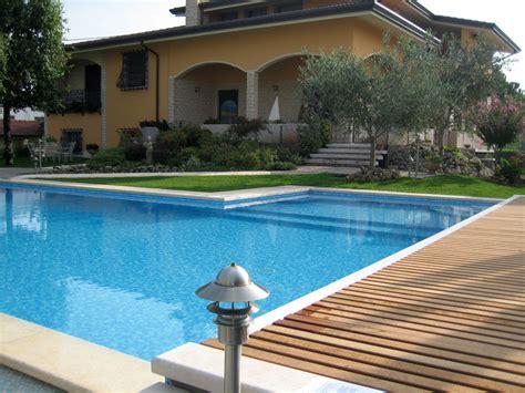 giardini con piscina acquafert progetto giardino con piscina with giardini con