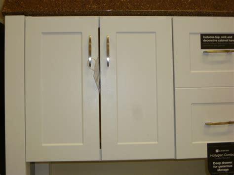 what type of cabinets door knobs do you prefer image gallery kitchen cabinet door pulls