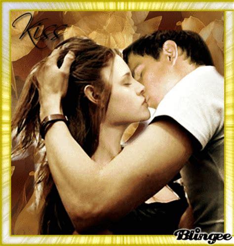 gif de amor besos besos de amor picture 113628965 blingee com