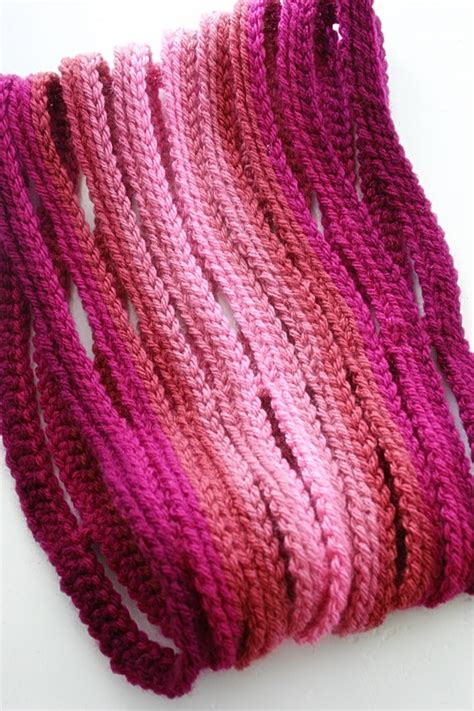 cqx weave ombre string cowl crochet pattern from feltedbutton on