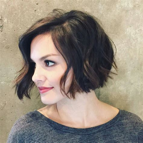 haircut bob wavy hair inverted bob haircut for wavy hair 2017 styles weekly