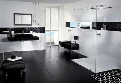 badezimmer ideen schwarz weiß 52 fotos badezimmer in schwarz und wei 223 archzine net