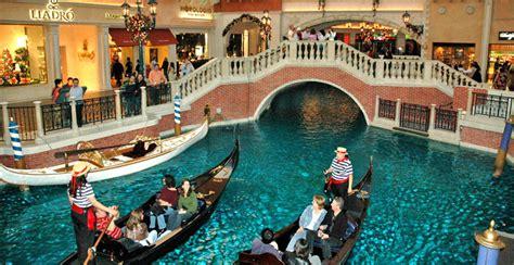 gondola boat vegas gondola ride at the venitian in las vegas scott colburn