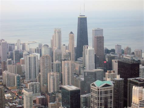 experiencing the urban landscape of chicago urban travel blog