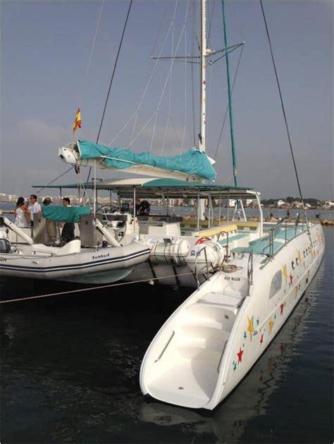 catamaran costa brava catamar 225 n en alquiler para eventos en roses 100 pax