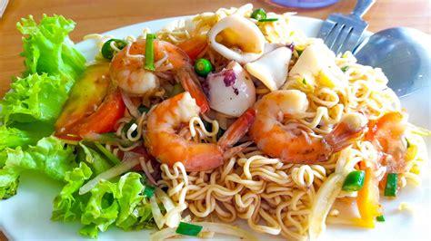 fatin food review kerabu maggi  mahligai