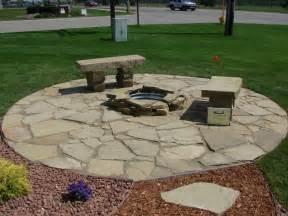 Pavers moreover stone pavers patio design ideas on gravel paver