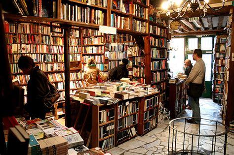 in libreria le piccole librerie giuliano guzzo
