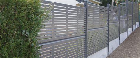 Cloture De Jardin En Aluminium 4703 by Des Cl 244 Tures De Jardin Design Pour D 233 Limiter Avec Style