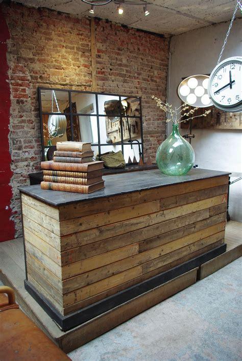 comptoir de commerce en bois par le marchand d oublis