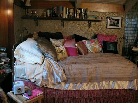 pll bedrooms 25 best ideas about aria montgomery room on pinterest