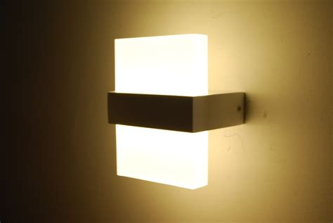 Led Bedroom Wall Lights 10 Varieties To Illuminate Your Led Light For Bedroom