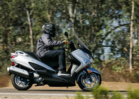 MD First Ride: 2014 Suzuki Burgman 200 « MotorcycleDaily