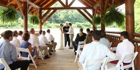 pick pigeon forge wedding venues eden crest weddings get prices for wedding venues in tn