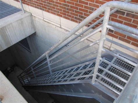 Outdoor Metal Stairs Steel Spiral Stairs Stainless Steel Stairs Aluminum
