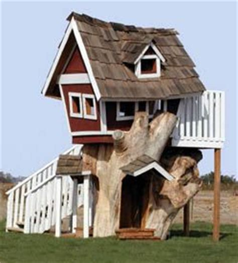crooked dog house crooked treehouse cool tree houses pinterest outdoor playhouses